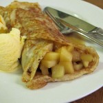 Apple, Cinnamon and Lemon Pancakes with ice-cream