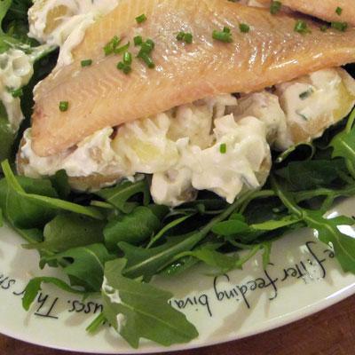 Warm potato salad with yoghurt, lemon and chives dressing