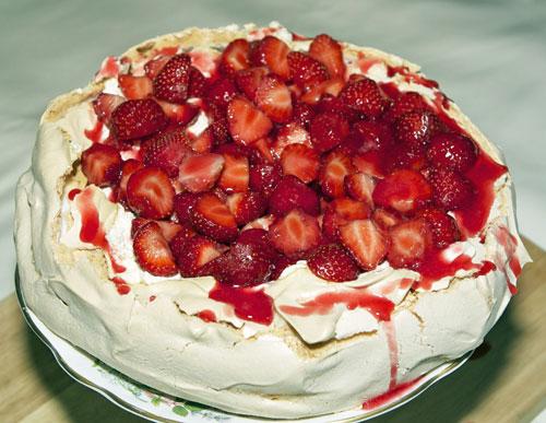 Strawberry-pavlova-2