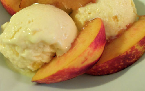 5-minute-Peach-Ice-cream4