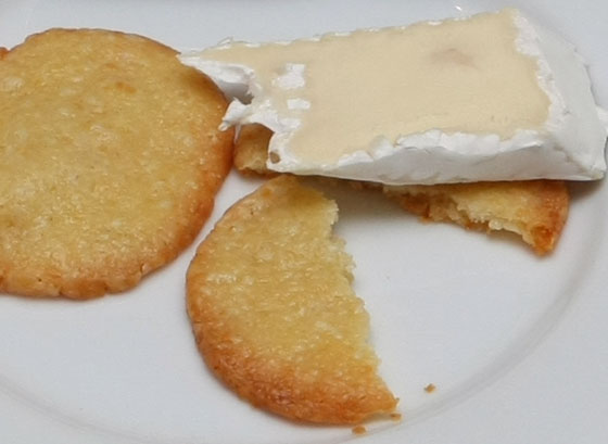 Cheese-crackers3